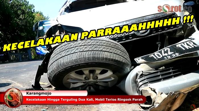 Kecelakaan Hingga Terguling Dua Kali, Mobil Terios Ringsek Parah